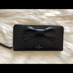 kate spade Olive Drive Lacey wallet.